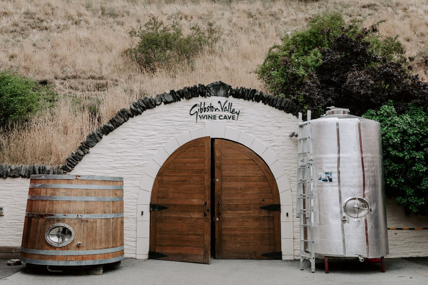 gibbston wine cave